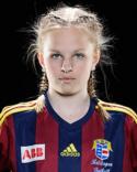 Först landslagsuttagen, sedan blev 15-åriga Frida Olsson tvåmålsskytt i sin A-lagsdebut.