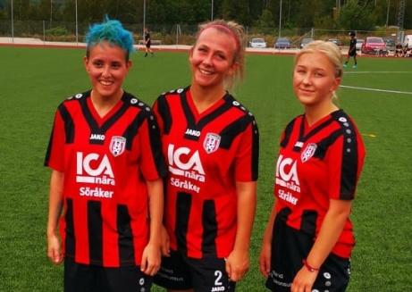 Söråkers målgörare i 4-0-segern på Råsjövallen mot Bergsjö, fr v Joanna Fuenzalida, Alva Byström (2) och Alice Lundman.