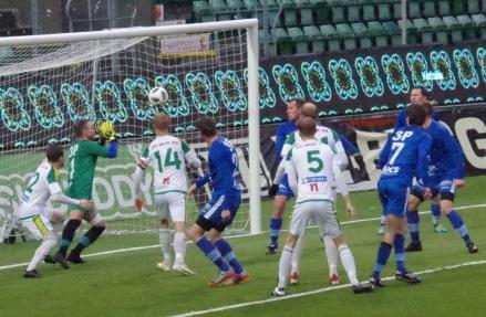 Lucksta skapade många målchanser mot Offerdal sista kvarten i första halvlek. Foto: Pia Skogman, Lokalfotbollen.nu.