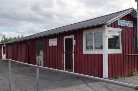 Ingång till speakerbåset till höger, Foto: Pia Skogman, Lokalfotbollen.nu.