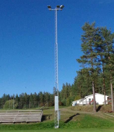 Numera finns det belysning över Essviksvallens A-plan.. Foto: Pia Skogman, Lokalfotbollen.nu.