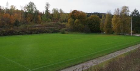 Utsikt från sittplatserna uppe på berget. Foto: Pia Skogman, Lokalfotbollen.nu.