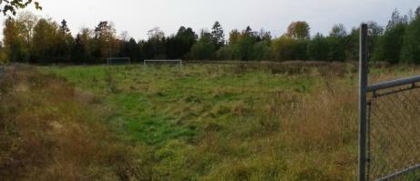 En gång i tiden en liten fotbollsoas men numera en övergiven anläggning. Tyvärr... Foto: Pia Skogman, Lokalfotbollen.nu.