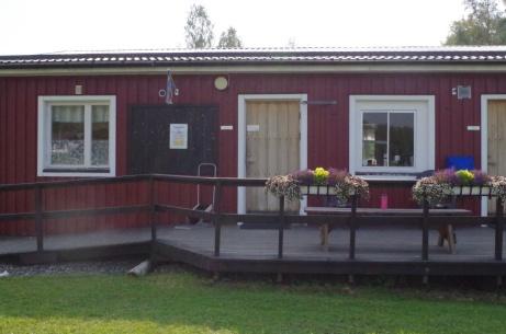Ingång till serveringen. Foto: Pia Skogman, Lokalfotbollen.nu.