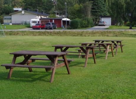 Här kan man sitta och fika och samtidigt kolla in spännande fotboll. Foto: Pia Skogman, Lokalfotbollen.nu.