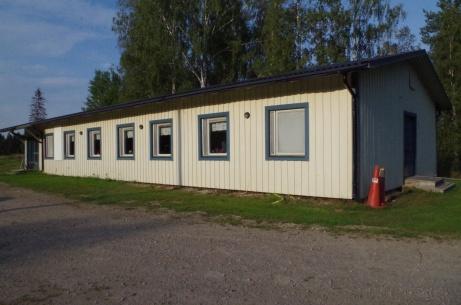 Klubblokal där det bland annat bjuds på loppis och durspelande emellanåt. Foto: Pia Skogman, Lokalfotbollen.nu.
