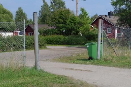 Infarten till Wiiforsplan/Medskogs IP sedd från insidan. Foto: Pia Skogman, Lokalfotbollen.nu.
