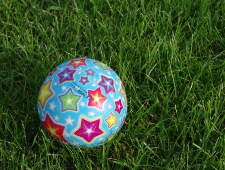 Hittade en boll. Om jag kickade till den? Jajjamen! Foto: Pia Skogman, Lokalfotbollen.nu.