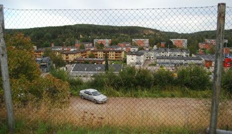 Kvissleby centrum sett från Gumsekullen. Foto: Janne Pehrsson, Lokalfotbollen.nu.