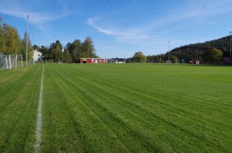 Vy över planen från hörnflagga nummer 2. Foto: Pia Skogman, Lokalfotbollen.nu.