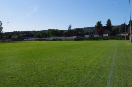 Så var den västra långsidan avverkad i det för dagen vackra vädret. Foto: Pia Skogman, Lokalfotbollen.nu.