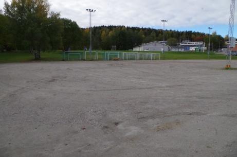 Parkering med elljus. Foto: Pia Skogman, Lokalfotbollen.nu.
