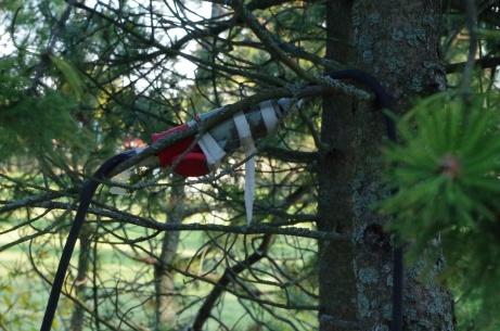 Så här kan man också dra elkablar. Foto: Pia Skogman, Lokalfotbollen.nu.