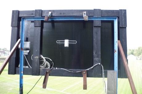 Och här har Lokalfotbollen har hamnat bakom matchuret. Mycket kablar. Foto: Pia Skogman, Lokalfotbollen.nu.