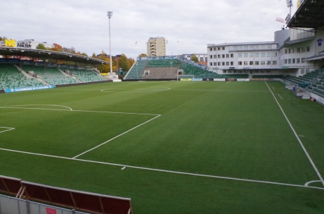NP3 Arena (f d Norrporten Arena) är betydligt tätare än föregångaren Idrottsparken och är dessutom utrustad med konstgräs och ett kontorskomplex. Foto: Pia Skogman, Lokalfotbollen.nu.