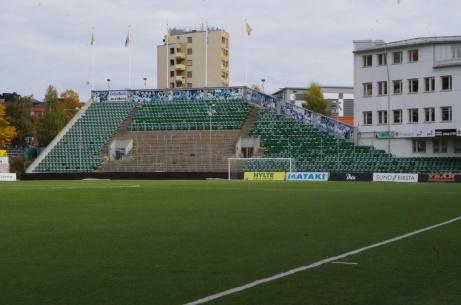 Utsikten från den gamla studentbyggnaden är inte längre lika givande sedan arenan byggdes om. Foto: Pia Skogman, Lokalfotbollen.nu.
