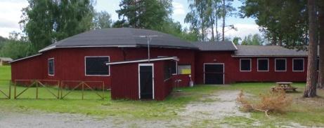 Den upprustade dansrotundan med serveringen utanför. Foto: Pia Skogman, Lokalfotbollen.nu.