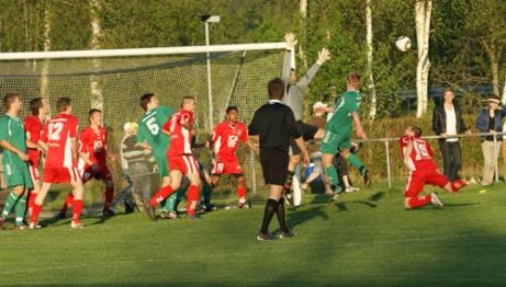 Bilden är från 21 maj 2010 när publikrekordet slogs. Över 450 åskådare när hemmalaget Ljustorps IF tog emot kommunkonkurrenten Söråkers FF. Foto: Janne Pehrsson, Lokalfotbollen.nu.