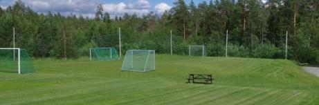 Träningsyta bakom det östra målet. Ingen tvekan, vi är på Myggvallen. Foto: Pia Skogman, Lokalfotbollen.nu.