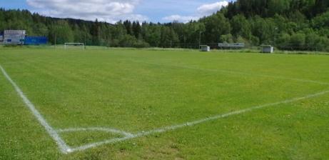 Vy över Nedansjö IP:s gräsmatta mot sydost. Foto: Pia Skogman. Lokalfotbollen.nu.