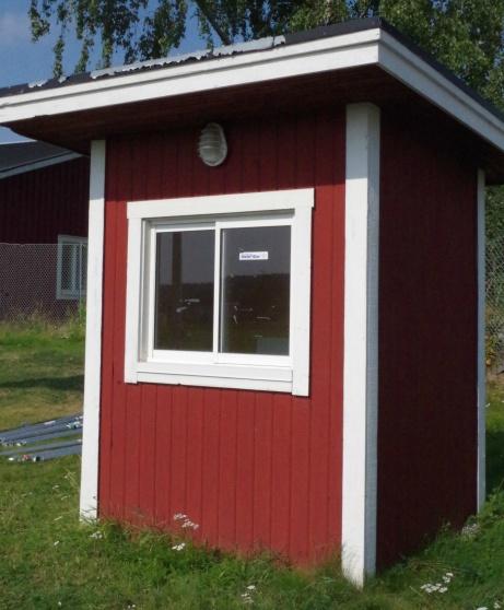 Biljettkuren logiskt placerade vid entrén. Foto: Pia Skogman, Lokalfotbollen.nu.