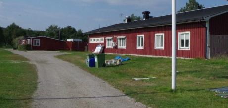 Omklädningsrum hemmalag och klubblokal. Foto: Pia Skogman, Lokalfotbollen.nu.