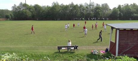 Släda 2 används i första hand för Alnö IF:s ungdomslag. Här är en bild från en flickmatch 2014 mellan hemmalagets F01/02 och SDFF F00/01. Foto: Alnö IF.