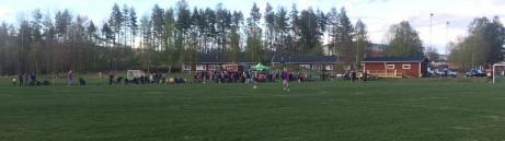 Det var nästan 400 åskådare på damderbyt i trean mellan Stöde IF och Fränsta den 25 maj 2017.