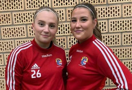 Duon Alexandra Holmberg och Jennie Edström tar klivet över från SDFF F19 till Selånger FK. Foto: SFK