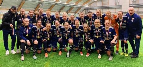 Kovlands damer tog hem årets upplaga av SBB/LAC Cupen, Men inte utan dramatik! Efter 0-0 i både semifinalen mot Heffnersklubban och i finalen mot Umeå Södra vann man den avgörande straffläggningen med 2-1 i bägge kamperna sedan keepern Emelie Bergh räddat straffar!