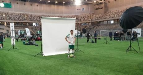 Alisina Ain fotograferades ifjol på Tele2 Arena då Hammarbys P17-spelare skulle presenteras. Under lördagen prickade han in ett äkta hattrick för sin nya klubb Ånge IF i en DM-match mot Holm.