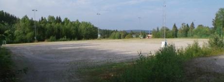 Sörforsvallens B-plan ligger nedanför landsvägen mot Hassela och invigdes 1985 och tillhörde då en av distriktets bättre grusplaner. Foto: Pia Skogman, Lokalfotbollen.nu.