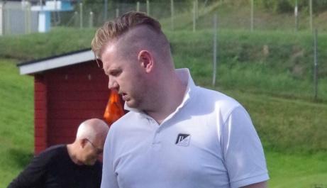 Luckstas tränare Paul Thompson kläckte idén med Drömelvan. Nu har den 35-årige irländaren tagit ut sina bästa spelare han lirat med. Och det är en imponerande elva. Foto: Pia Skogman, Lokalfotbollen.nu.