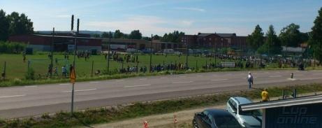 """Matfors IF arrangerar varje sommar Lilla-VM och då liras det massor av pojk- och flickmatcher på """"Lilla Wembley"""", gräsplanen som ligger tvärs över vägen från Thulevallens A-plan. Foto: Matfors IF."""