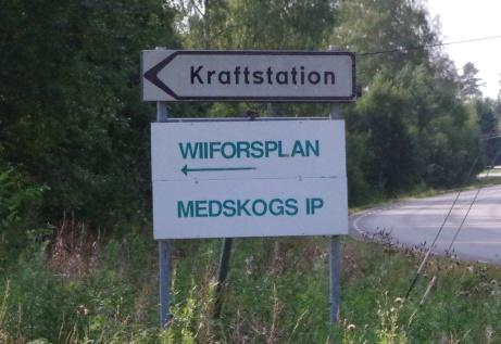 Infart till Wiiforsplan. och Medskogs IP. Foto: Pia Skogman, Lokalfotbollen.nu.