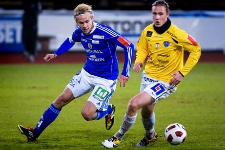 Pontus Engblom i action i GIF-dressen i en match mot Falkenberg 2011. Nu är IFK-fostrade Pontus tillbaka i stan. Foto: Bildbyrån (tackar Nils Jakobsson för lånet av bilden).