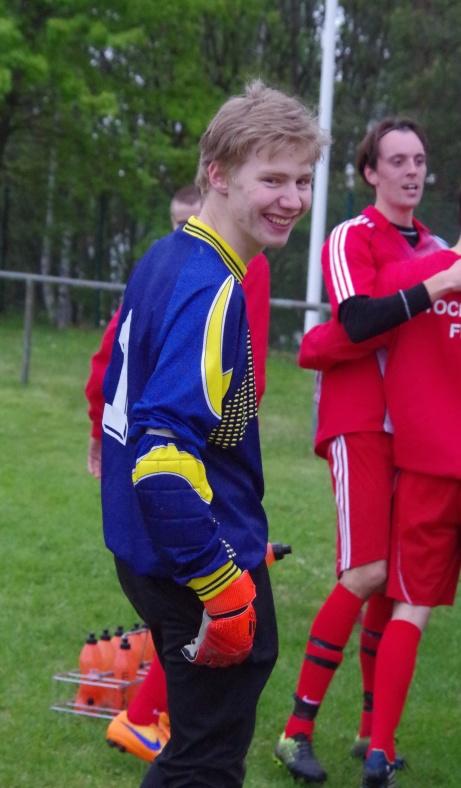 Jodå, Andreas, hela bollen VAR över, Se bilden ovan. Foto: Pia Skogman, Lokalfotbollen.nu.