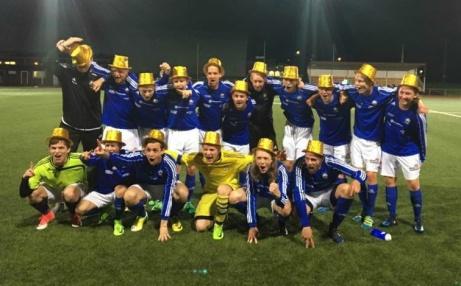 GLADA GRABBAR MED GULDHATTAR. Matfors IF 2 har vunnit Medelpadssexan 2017. Lokalfotbollen.nu gratulerar dom välförtjänta seriesegrarna!