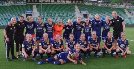 Sundsvalls DFF, DM-mästarinnor 2020 efter 3-1-seger i finalen mot Kovland. Foto: Pia Skogman, Lokalfotbollen.nu.