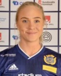 Linnéa Kvarnberg satte SDFF:s sena segermål mot Stensätra - men domaren gav målet till lagkompisen Alva Lodén...