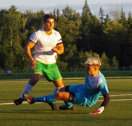 David Danielian gör Ånges segermål i grundseriens möte med Norr United och sitter därför i förarsätet när Uppflyttningsserien inleds idag. Foto: Pia Skogman, Lokalfotbollen.nu