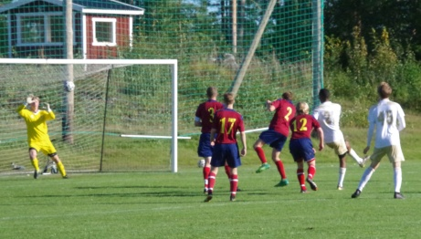 Samuel Keflit dundrar in 2-0. Foto: Pia Skogman, Lokalfotbollen.nu