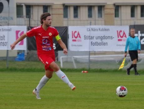 Per Nyman gjorde ett av målen när Sund tog hem derbyt på Släda IP med 2-0 mot alnö. Arkivfoto: Pia Skogman, Lokalfotbollen.nu.