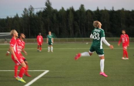 Det var svårt att ta några bra bilder då Ånge kommun bara hade på halv belysnimg. Foto: Roger Mattsson, Lokalfotbollen.nu