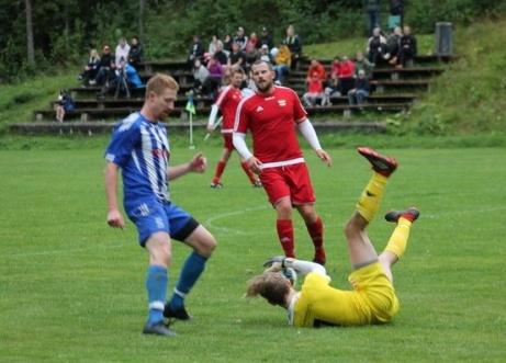 Christian Wilson lyckas inte denna gång att få bollen i mål. Foto: Roger Mattsson