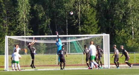 Ånges 1-0-mål på gång. Foto: Pia Skogman, Lokalfotbollen.nu