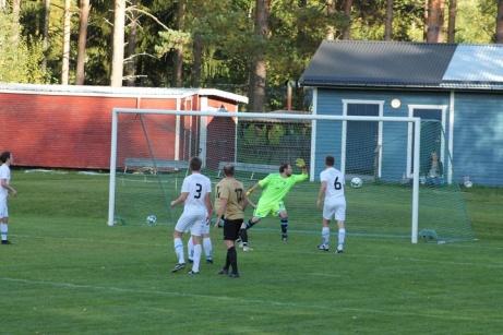 Bild 5. 1-0 till Viskan. Foto: Roger Mattsson, Lokalfotbollen.nu