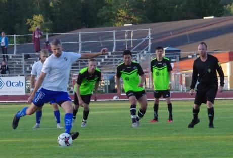 En straff som Olle Nordberg alltså sätter till 1-0. Foto: Pia Skogman, Lokalfotbollen.nu