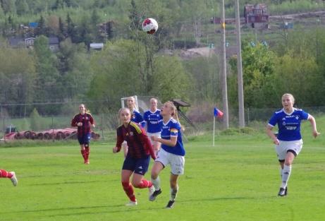 Maja Medelberg och hennes Selånger FK hade ingen rolig säsong 2019 och åkte ur division 1 Norrland. Foto: Pia Skogman, Lokalfotbollen.nu.
