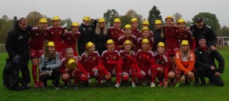 Guldhattar på! Alnö tog hem division 2 Mellersta Norrland 2020, och man gjorde det det utan någon förlust! Foto: Pia Skogman, Lokalfotbollen.nu